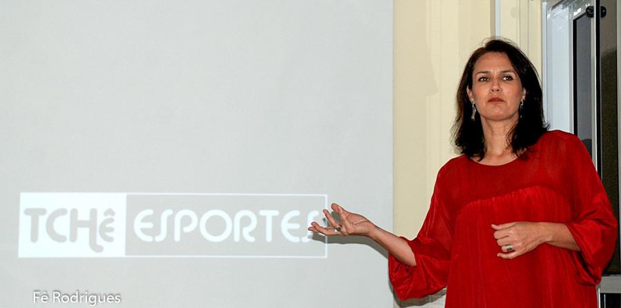 Andréa Rodrigues, jornalista da Tchê Esportes. (foto Fê Rodrigues / Tchê Esportes)