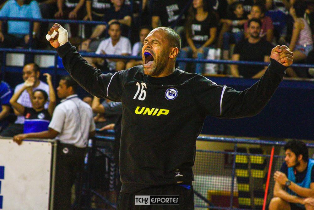 Marcão, goleiro do Pinheiros-SP. (foto André Pereira / Tchê Esportes)