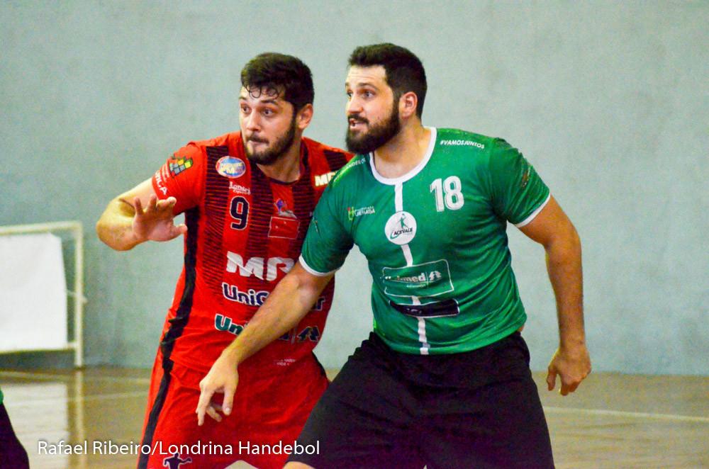 Danilo (9), Londrina. Artilheiro do jogo com 11 gols. (foto Rafael Ribeiro / Londrina Handebol)
