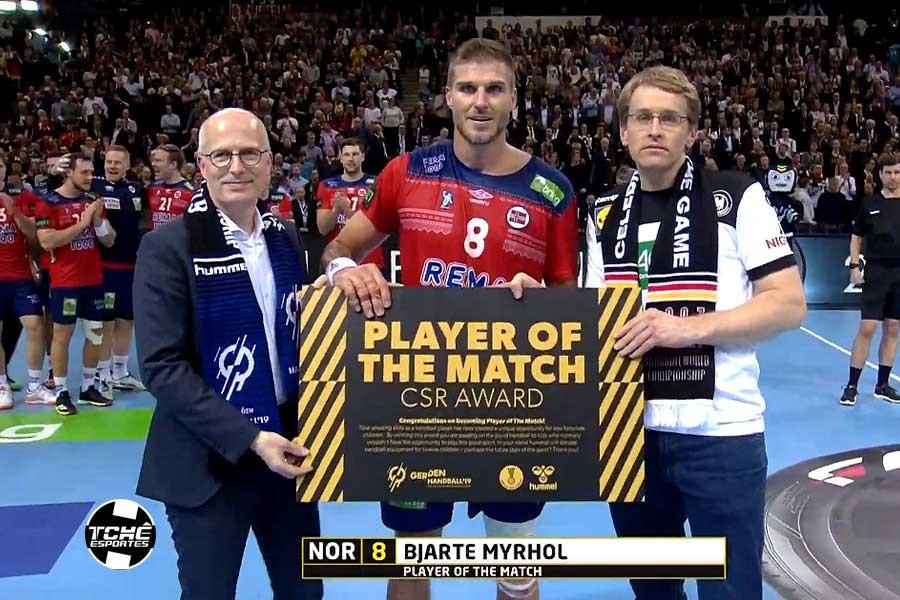 Bjarte Myrhol, pivô da Noruega, MVP do jogo. (foto reprodução)
