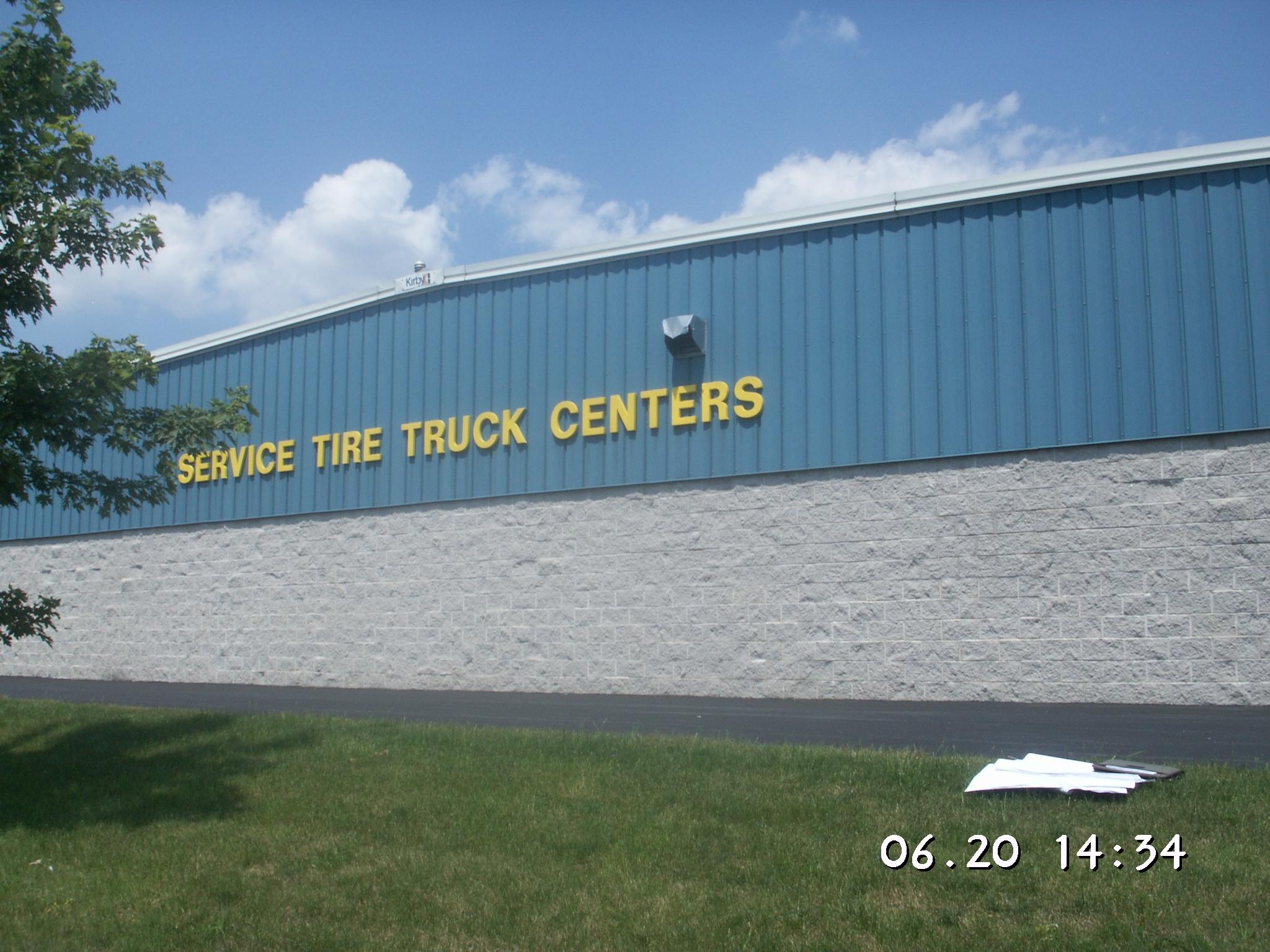 Service Tire Truck Center