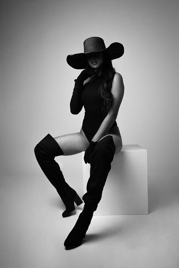 Model: Maruschka Sahiboe MUA: Chloë Steeman Styling: Jana Perenboom