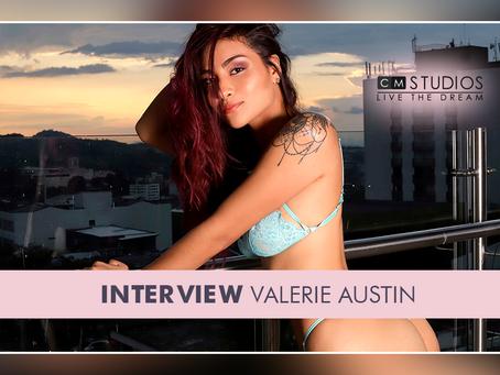 Valerie Austin: Seductora y equilibrada