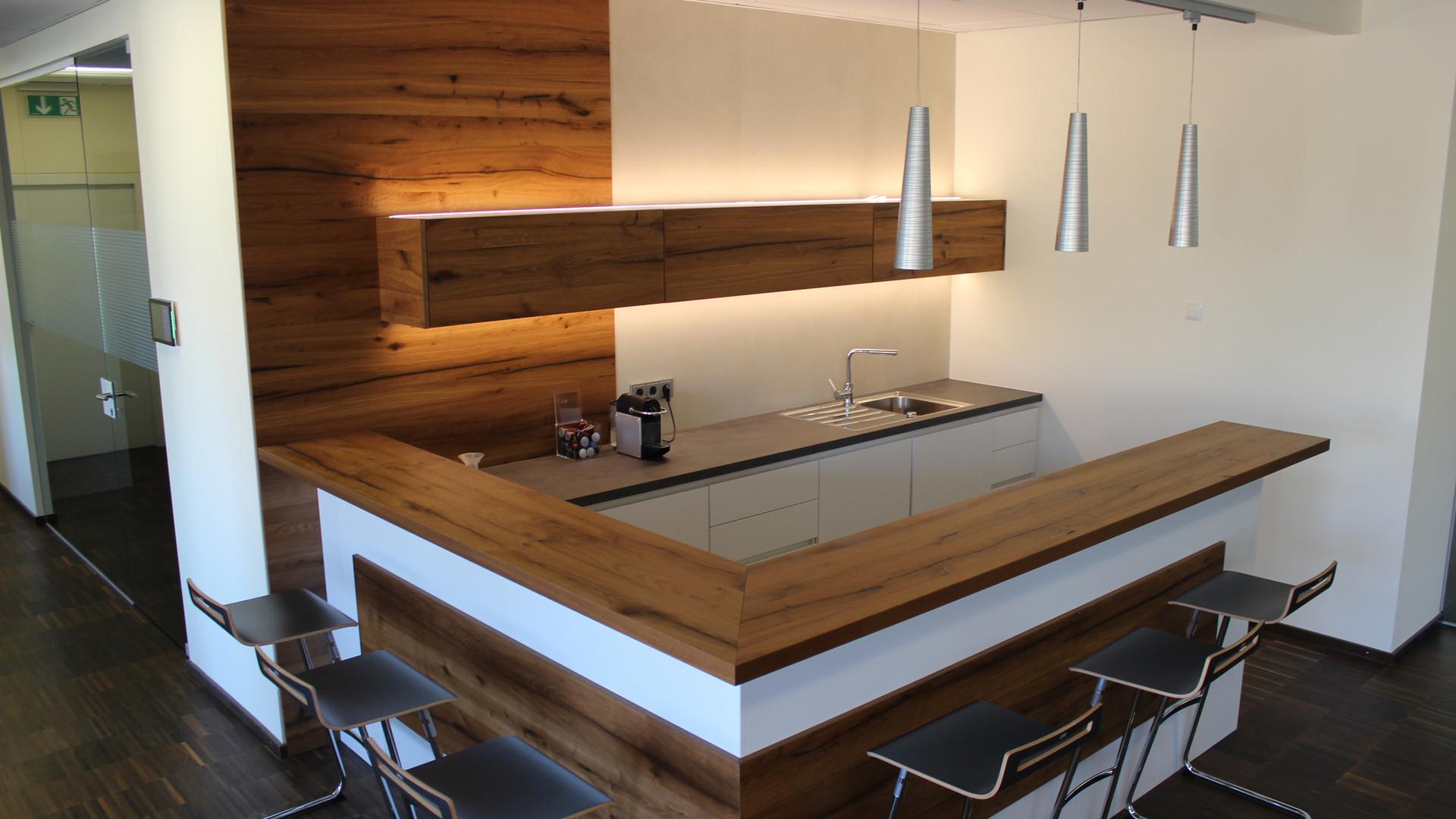 Tischlerei Leimhofer Wildenau - Besprechungsraum mit Küche