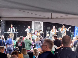 The Wurzels On Stage At The Fleur