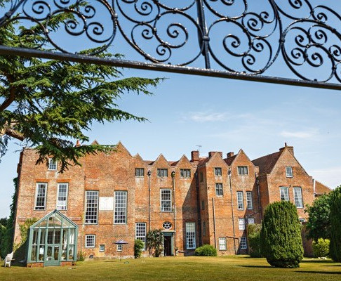 Wedding Show: Glamorous Glemham Hall, Suffolk