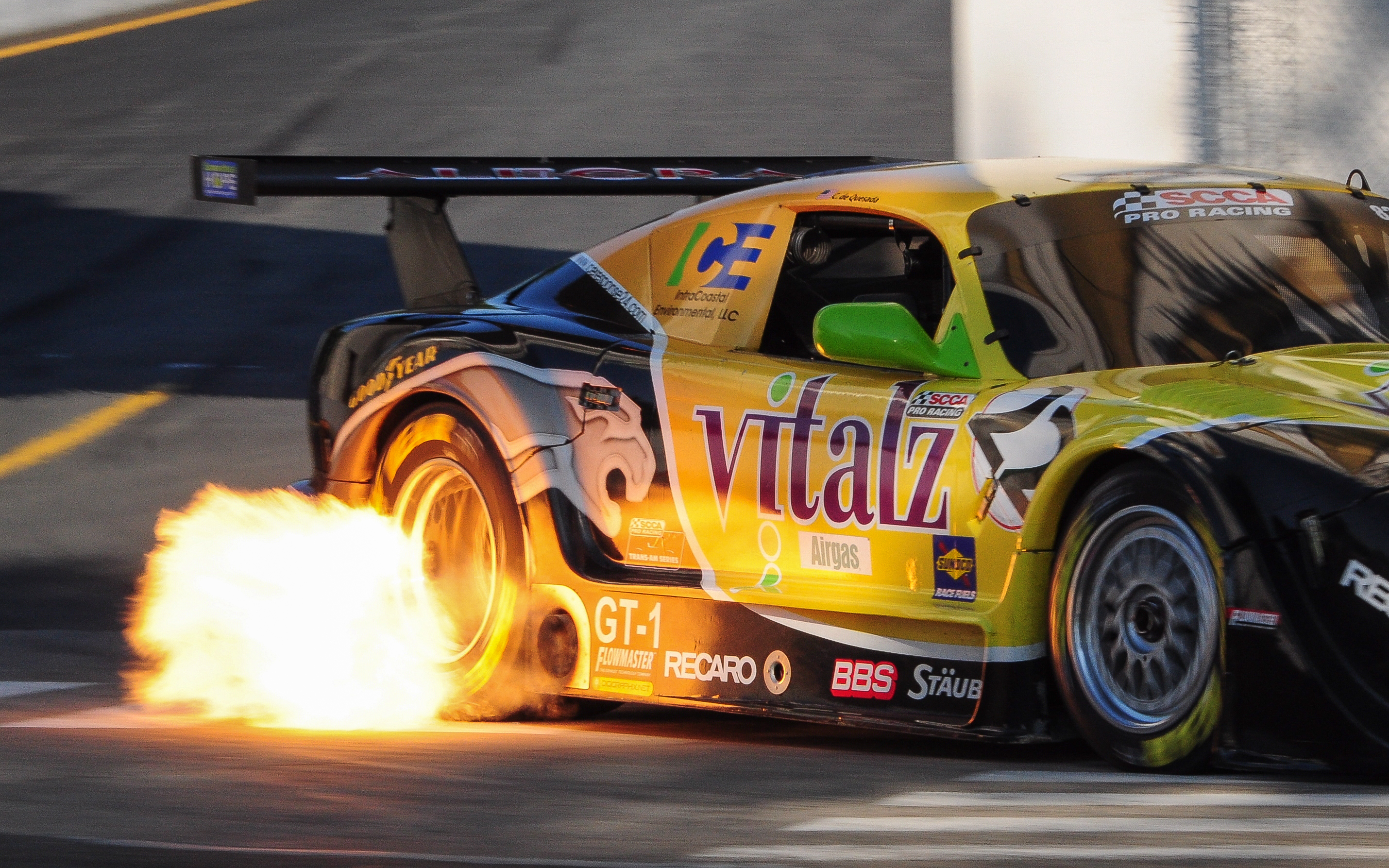 Flame On: 2011 Grand Prix of Trois R