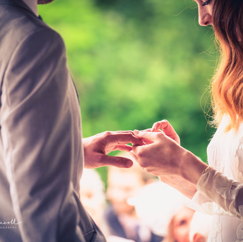 Finding your perfect wedding photographer...
