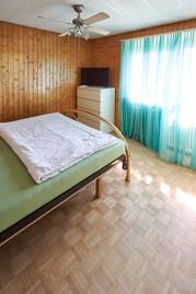 Zimmer mit Eichenparkett