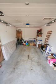 Garagenbox im Gebäude