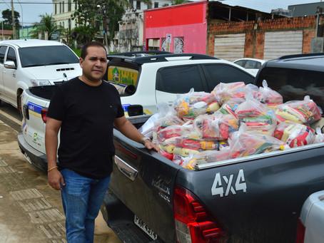 Prefeitura inicia entrega de cestas básicas para as famílias atingidas pela cheia em Sena Madureira