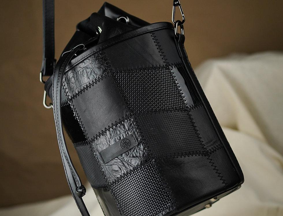 Bucket Bag de Piel Negra