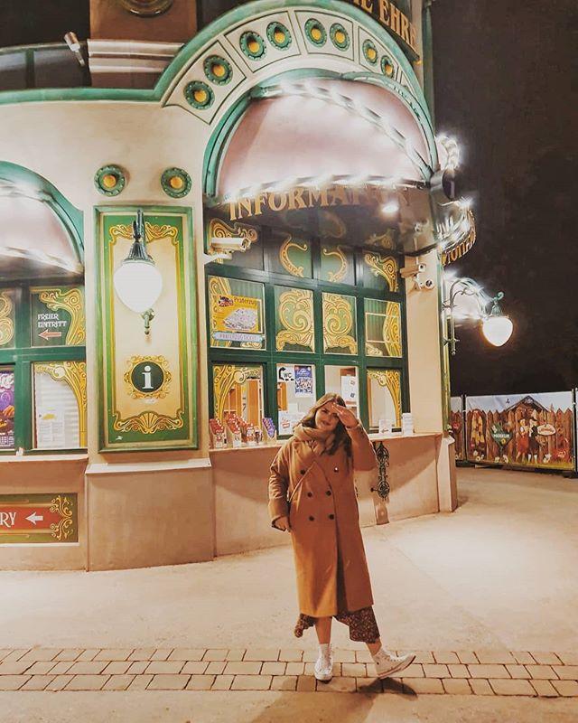 We found this gorgeous funfair in Vienna