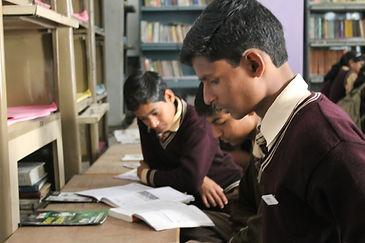 Students working hard, studying hindi in Bakshi ka talab