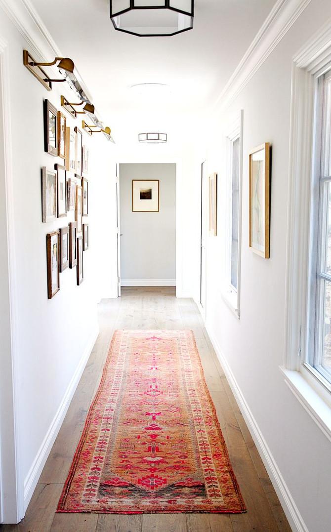 Llena de luz esos pasillos oscuros de tu hogar.