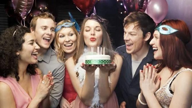 10 ideas para adornar cumpleaños de adultos.