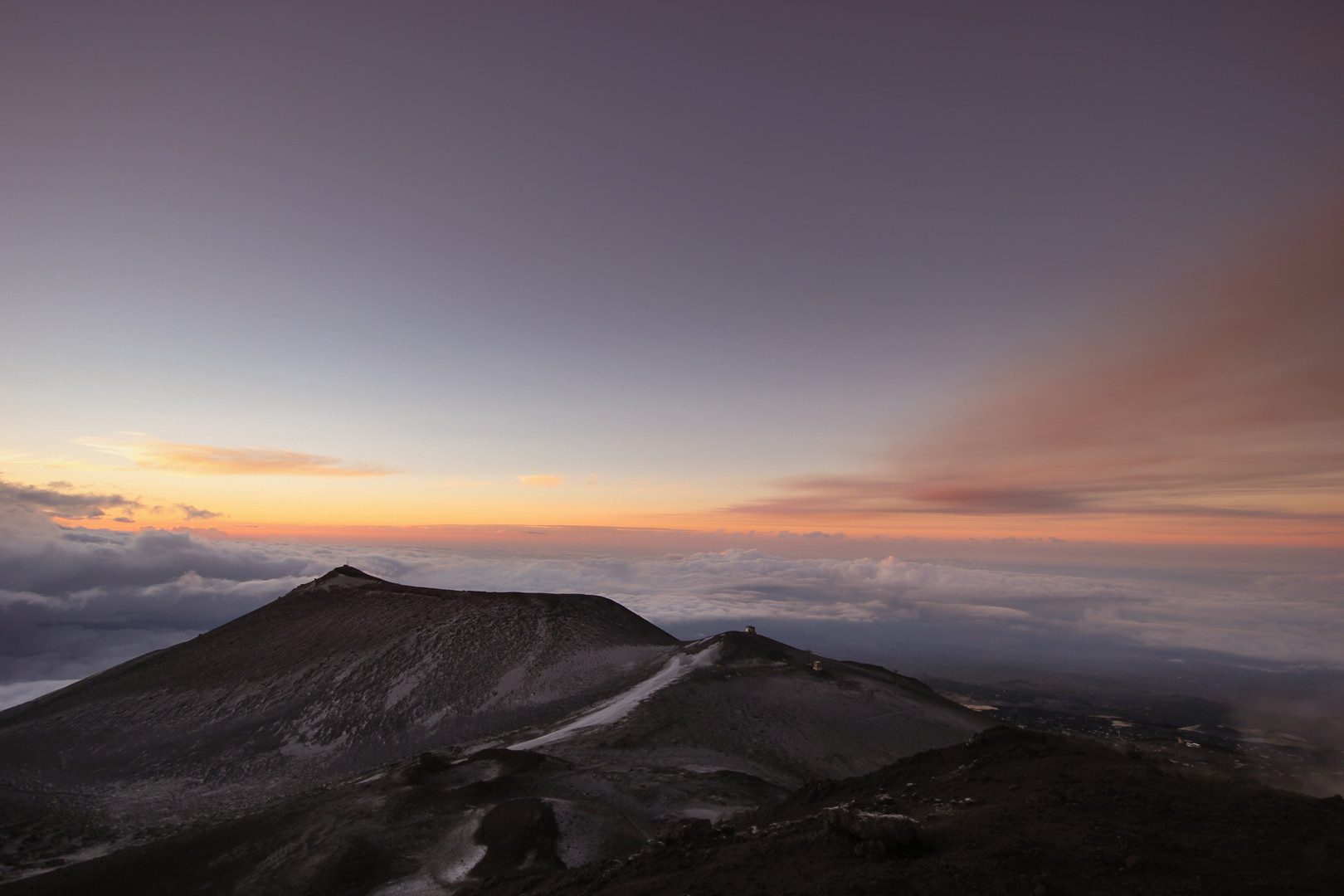 Sonnenaufgang hoch über Sizilien