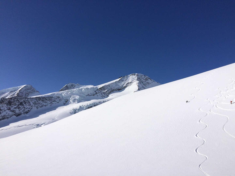 Allein in einem alpinen Rießenspielplatz