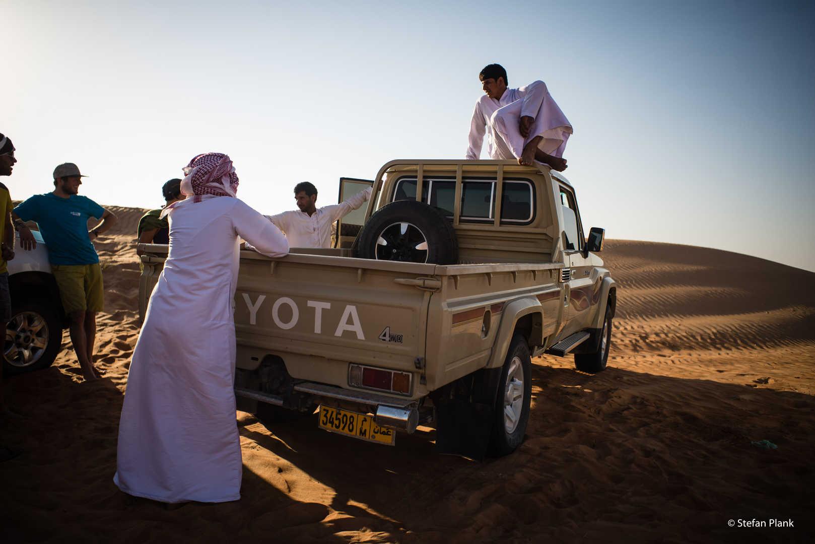 Absleppdienst falls wir im Wüstensand stecken bleiben