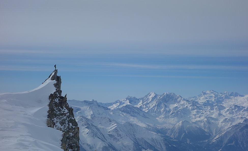 Berner Oberland - hohe Wolkenfelder kündigen die nahende Kaltfront an die auch die Wetterprognosen prognostiziert haben