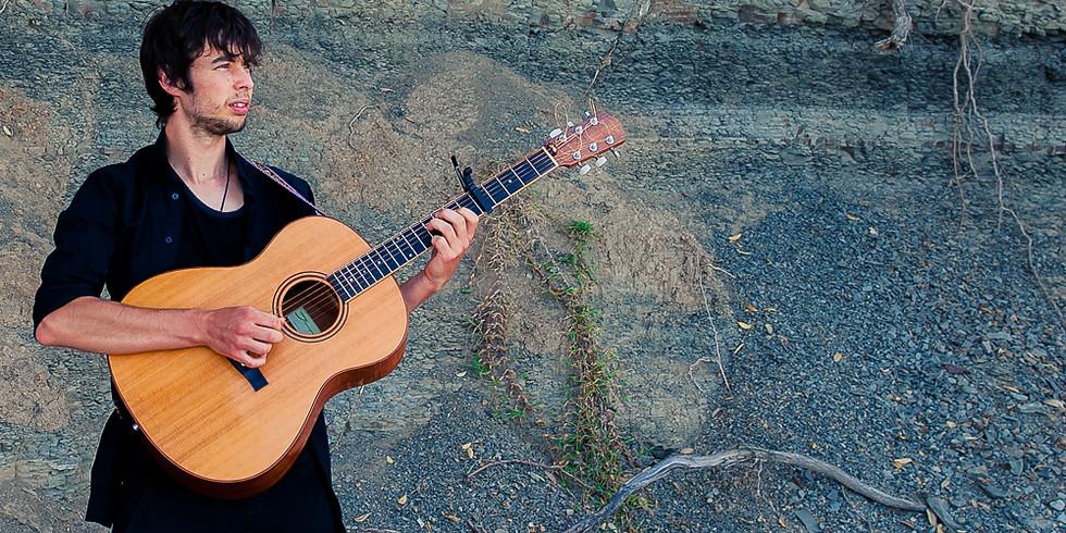 Rennie Pearson: House concert near Invercargill