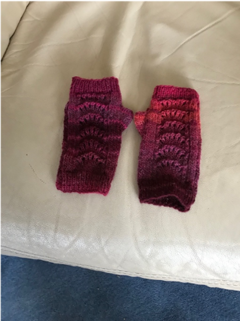 Multicolour fingerless  gloves (red into pink) SOLD