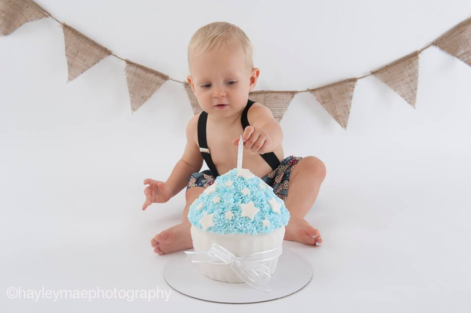 Cake Smash by Hayley Mae Photography