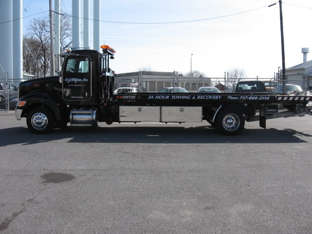 Side view of Peterbilt flatbed