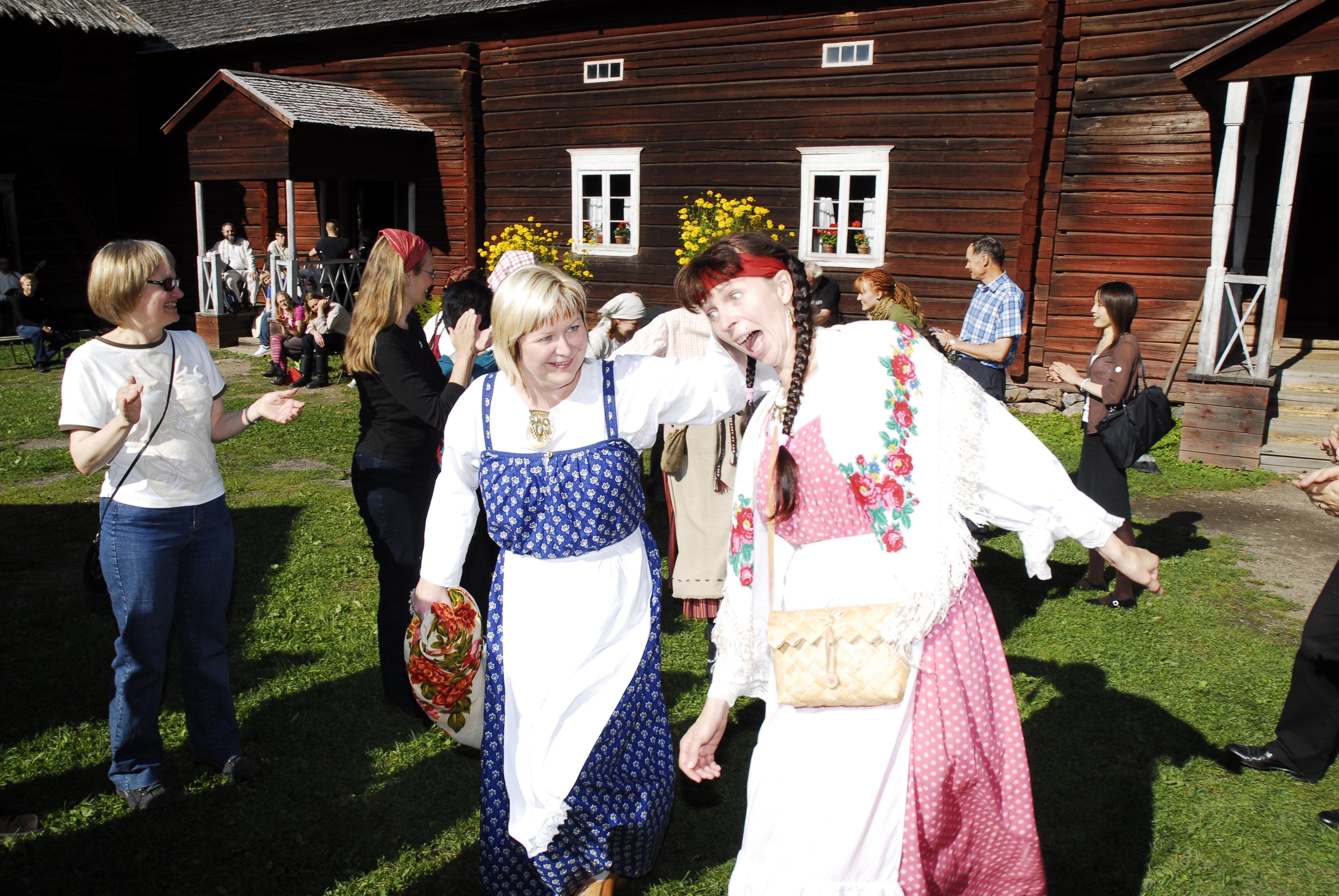 Sirkka Kosonen ja Anna-Kaisa