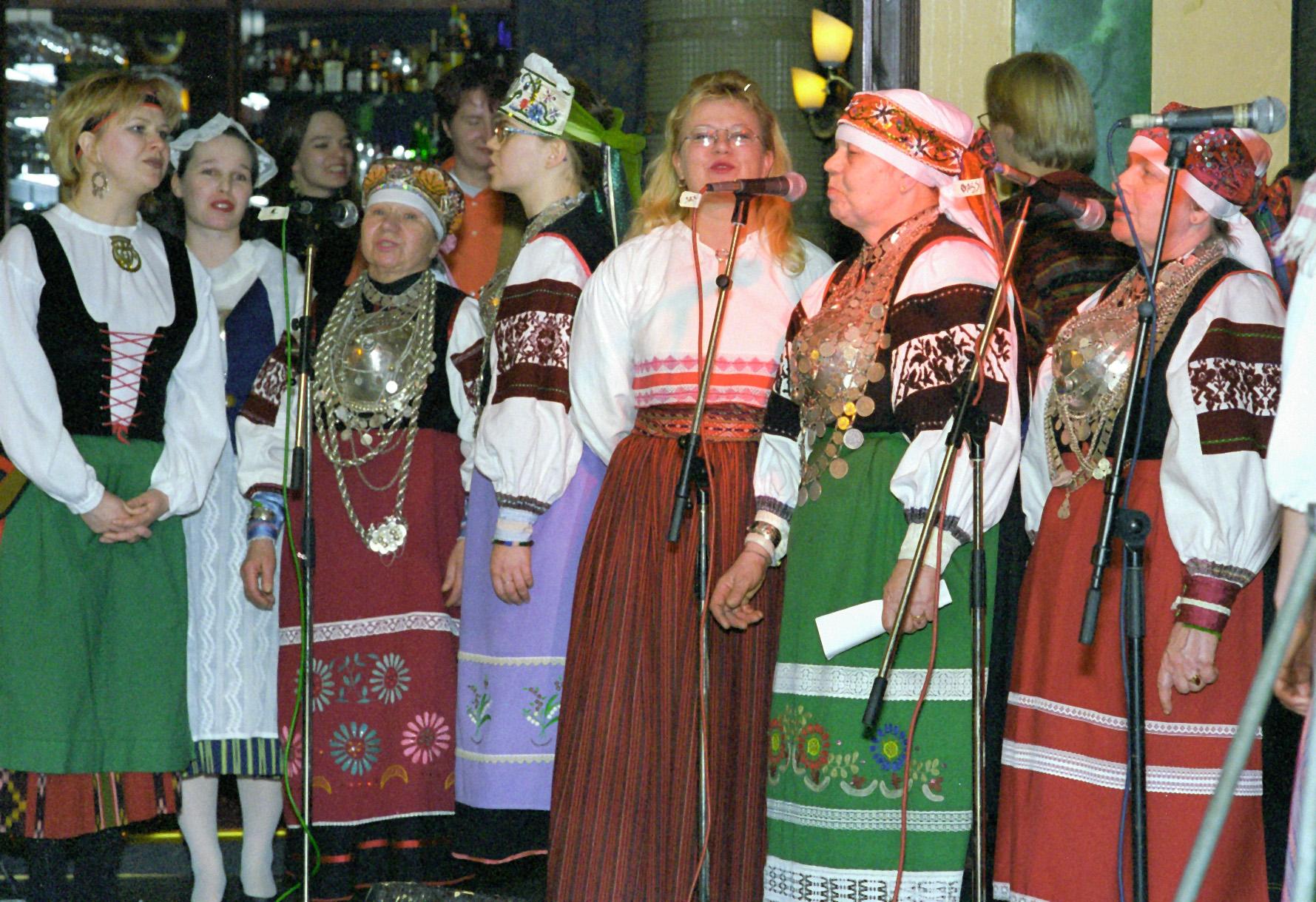Viron setukaisia ja Menaisia