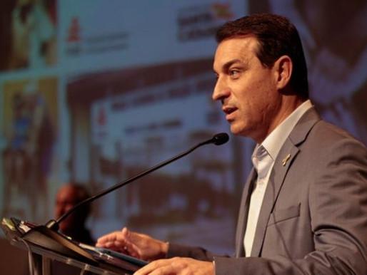 Governador Carlos Moisés é absolvido em processo de impeachment e retorna ao cargo