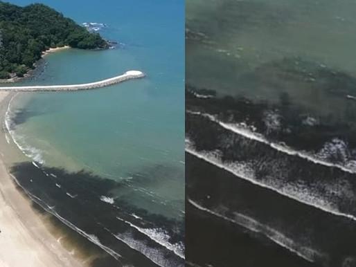 Praia central de Balneário Camboriú amanhece com manchas escuras