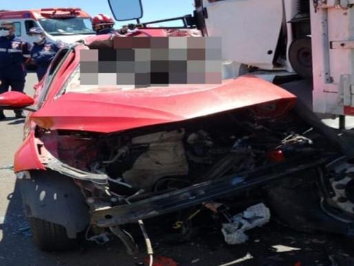 Vídeo: Jovem de Balneário Camboriú, morre em grave acidente entre carro e caminhão no Paraná