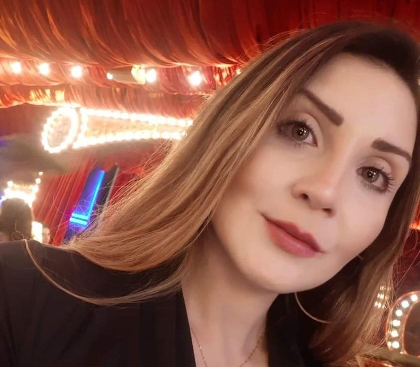 Mulher é assassinada dentro do carro com o marido