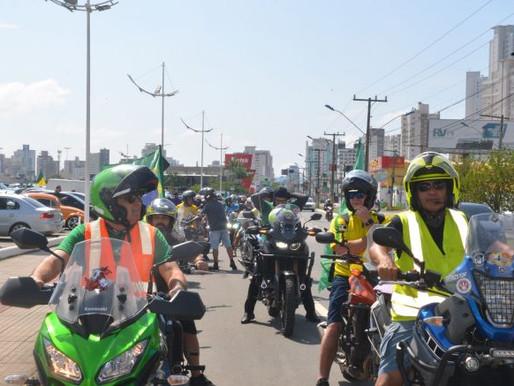 Domingo é marcado por manifestações contra lockdown em várias cidades de SC