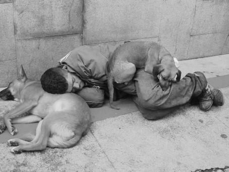 Moradores de rua terão abrigo e alimentação durante frio intenso em Balneário Camboriú