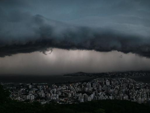 Defesa Civil alerta para risco de temporais com raios e granizo em Santa Catarina