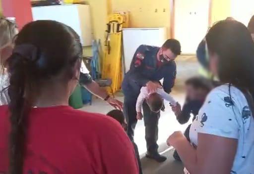Bombeiros salvam bebê em Navegantes