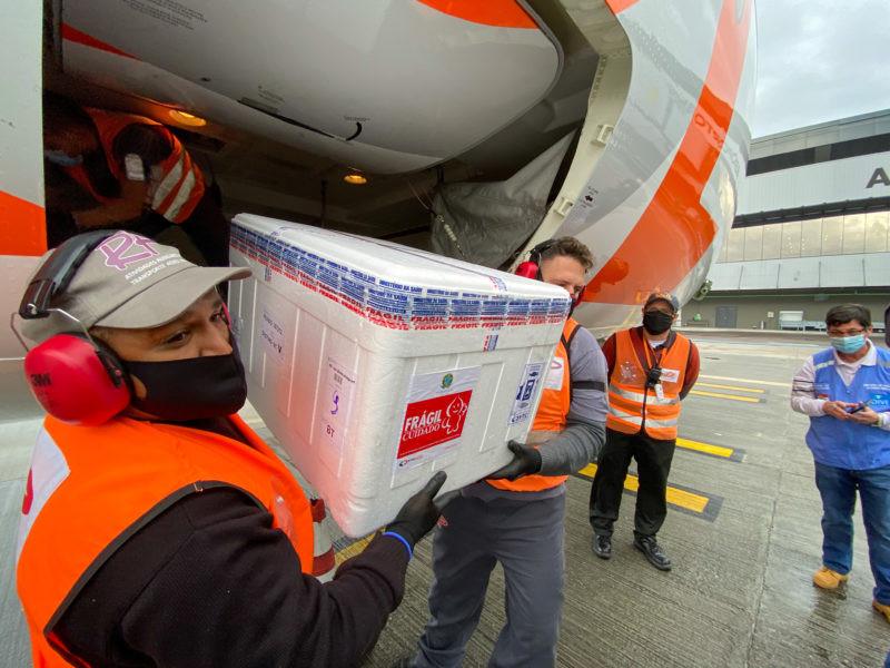 Pprimeiro lote de vacinas da Janssen, aplicadas em dose única – Foto: Ricardo Wolffenbuttel/Secom