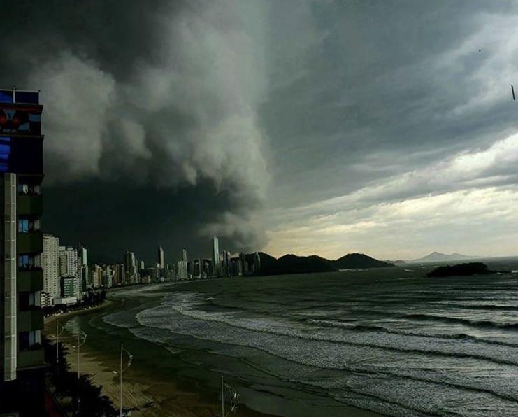 Grande volume de chuvas em Santa Catarina