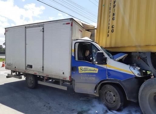 Homem morre em acidente na BR-101 em Itajaí