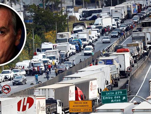 Apesar de apelo feito por Bolsonaro, greve dos caminhoneiros está mantida para sengunda-feira