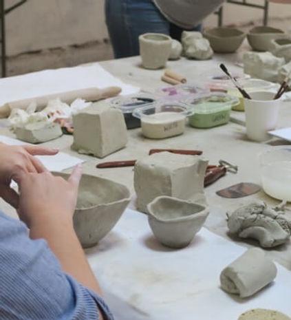 clay-hand-building-workshop-portrait-big
