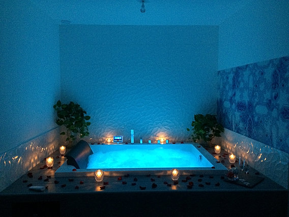 img_3349 img_2897 img_3346 img_2903 - Chambre Avec Spa Privatif