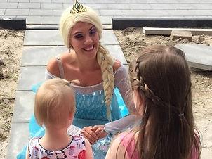 prinses en prinsesje evenementen act en typetje straatanimatie