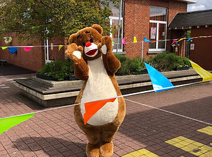 baloe de beer evenementen act en typetje straatanimatie creakleur