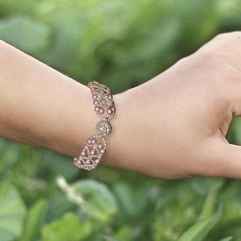 Category-bracelets-min_edited.jpg