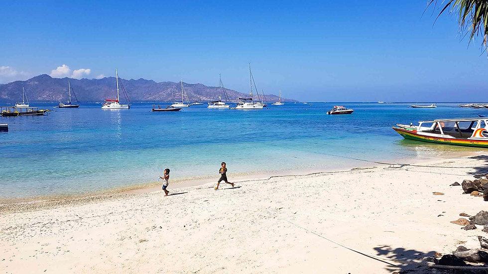 Rimba Villas GIli Air White Beach.jpg