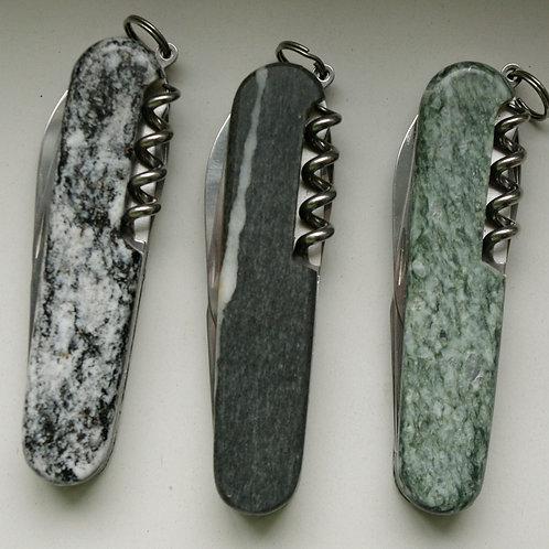 Sackmesser mit Steineinfassung