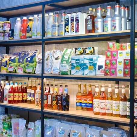 Các nguyên liệu pha trà sữa đang có mặt tại Barista Mart's